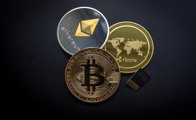 tři měny